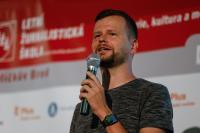 Veřejný program letní školy otevře tradičně Filip Rožánek, položí si otázku: Sociální sítě jako důvěryhodný zdroj informací?